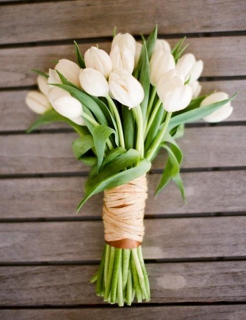 тюльпаны свадебный букет
