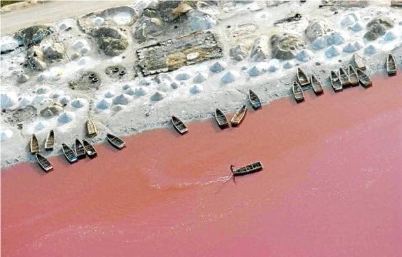 Розовое озеро, Сенегал