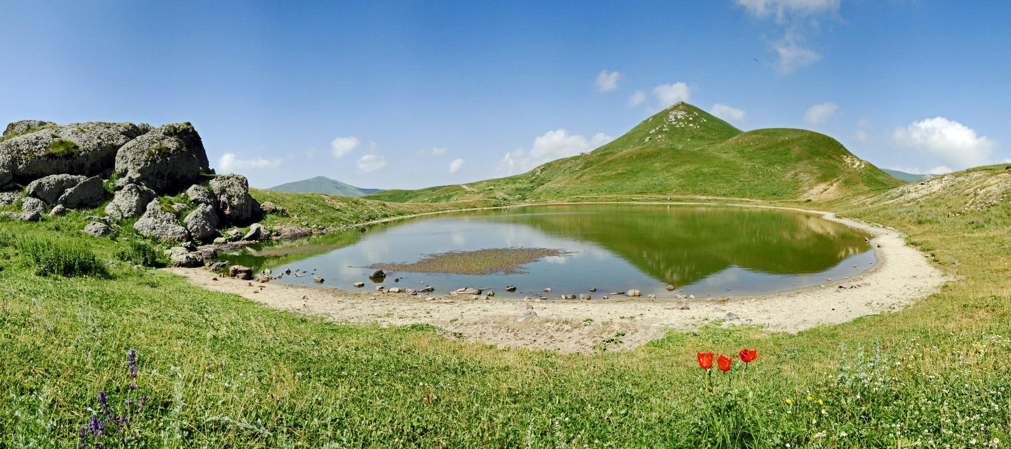 озеро Цахкуняц, Армения