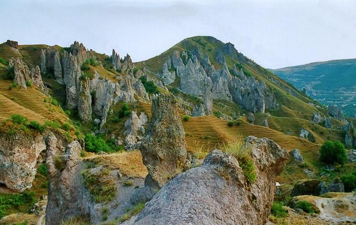 природные пирамиды, Армения