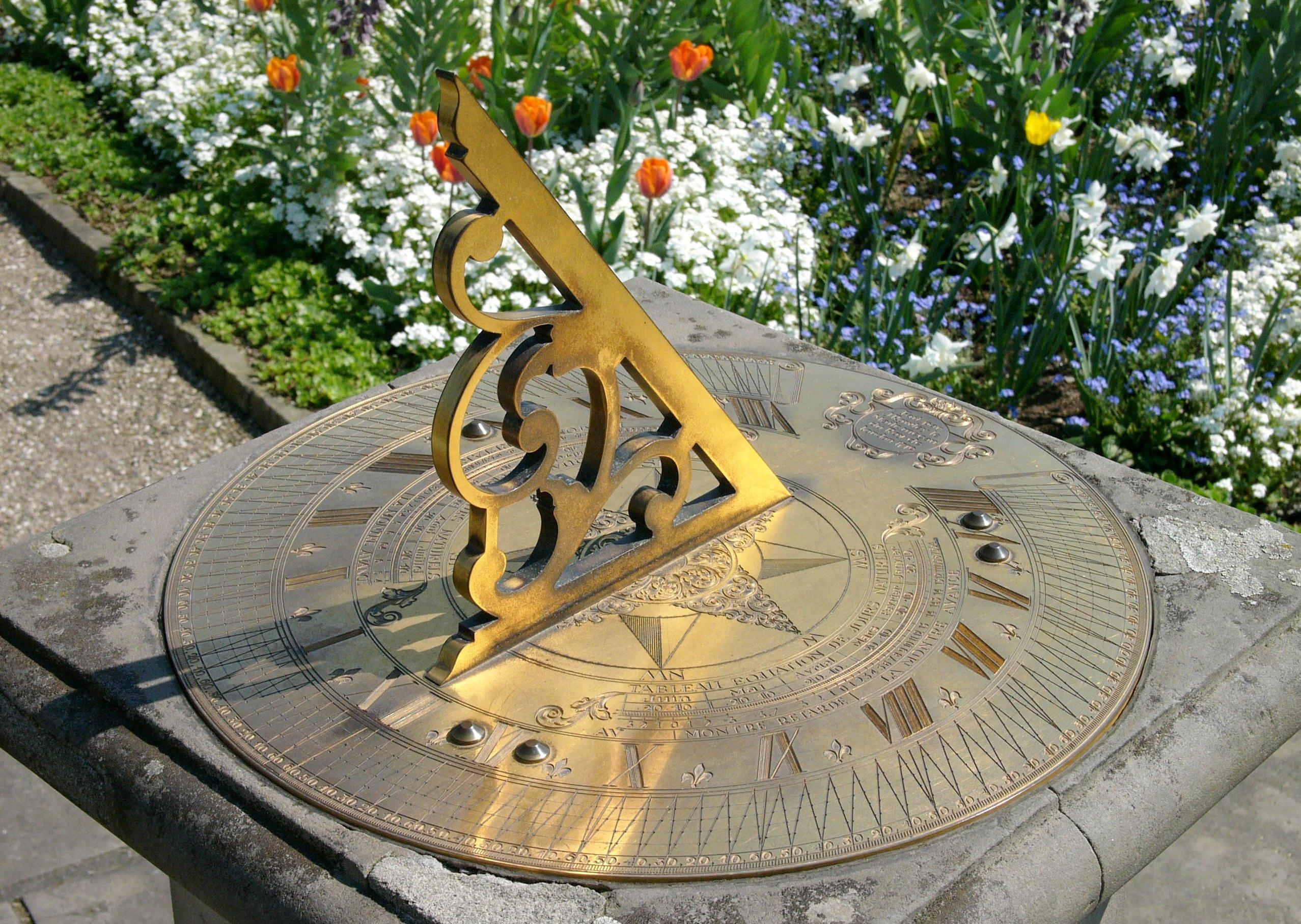 солнечные часы ландшафтный дизайн хитрости