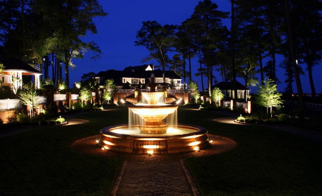 Ландшафтное освещение фонтан