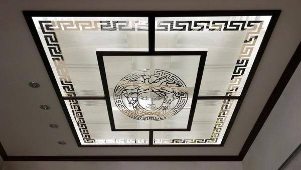 витражи на потолке в интерьере