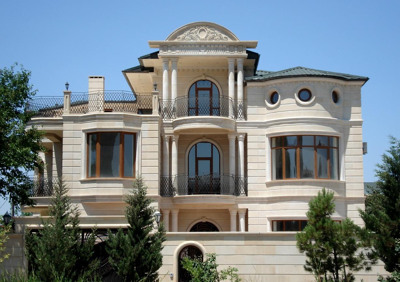 Карнизы фасада дома