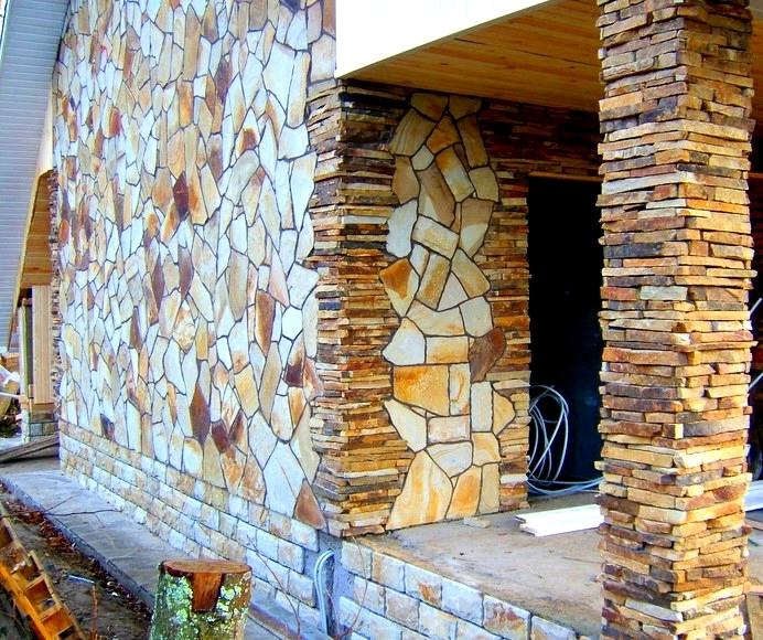 Натуральный камень (пластушка) отделка фасада