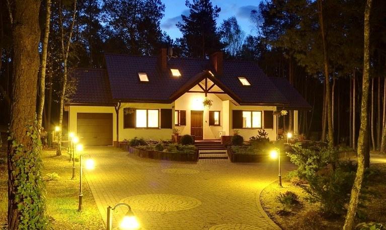 Фоновое фасадное освещение