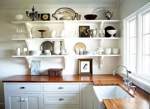 дизайн интерьера кухни открытые полки