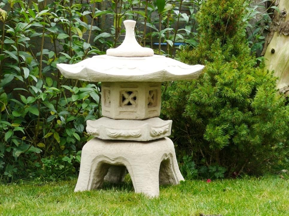 японский садовый фонарь Юкими-гата