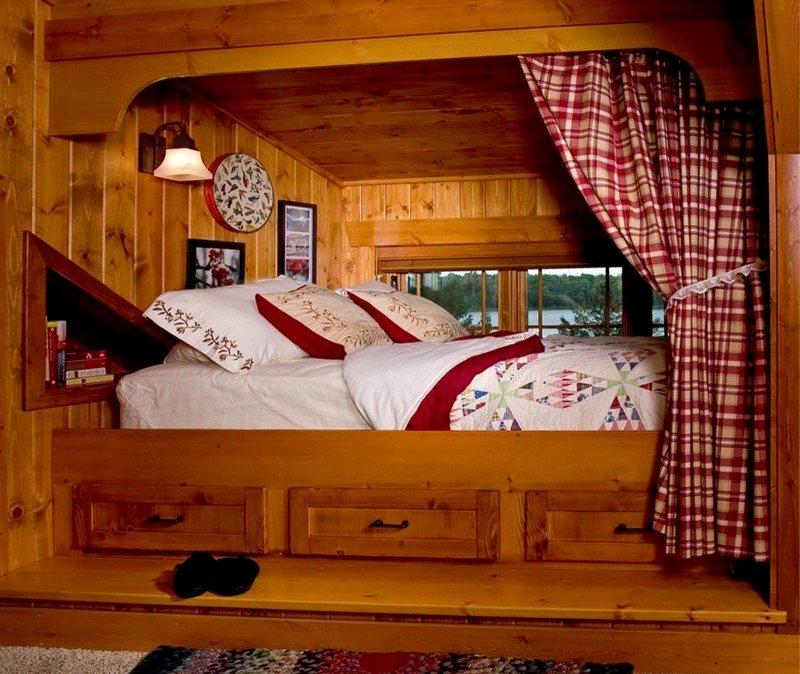Интерьер спальни в деревянном доме3