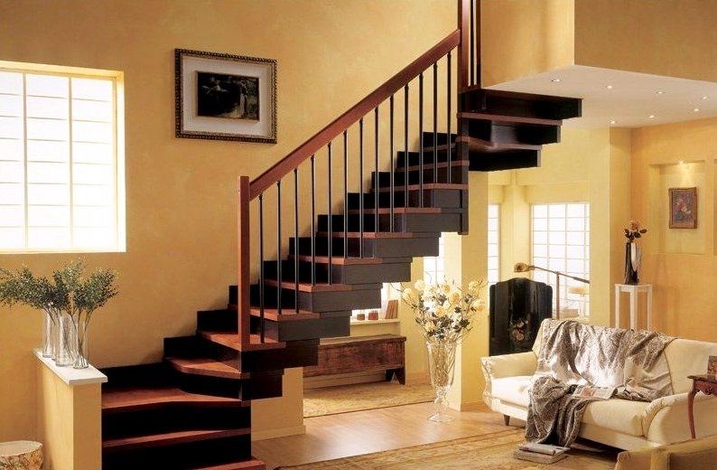 деревянная маршевая лестница в интерьере