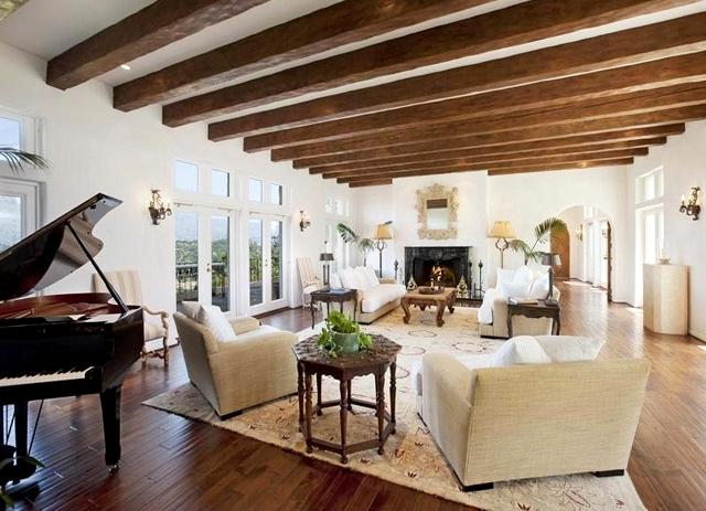 интерьер деревянного дома гостинная2