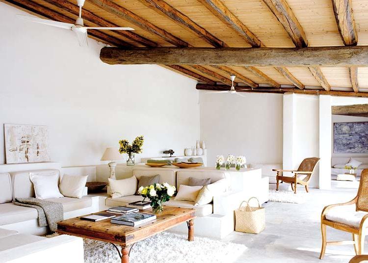 красивый деревянный потолок