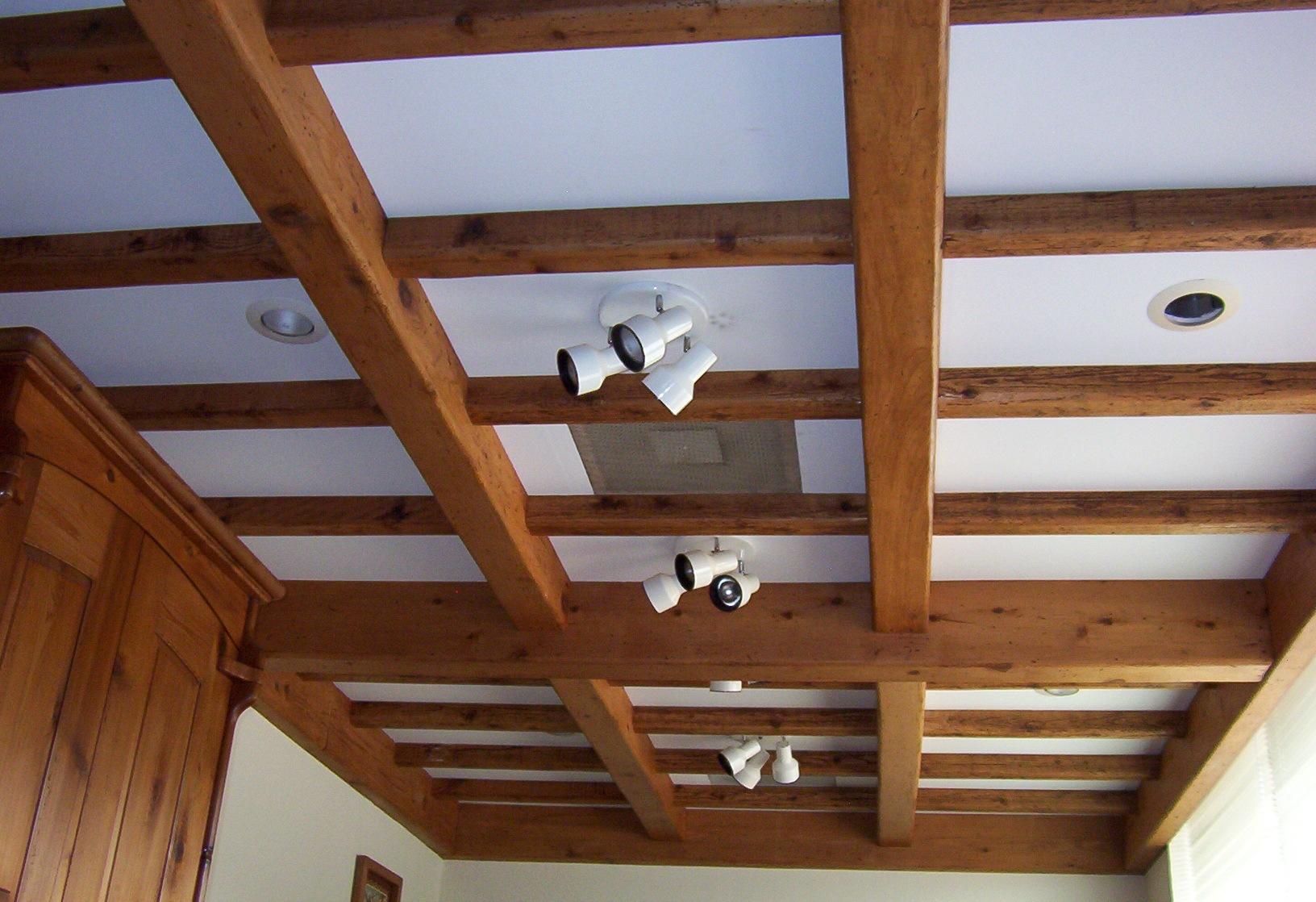 фальшбалки на потолок