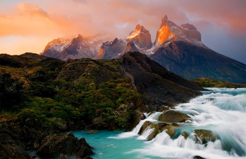 Горы Кордильера-дель-Пайне в Чили