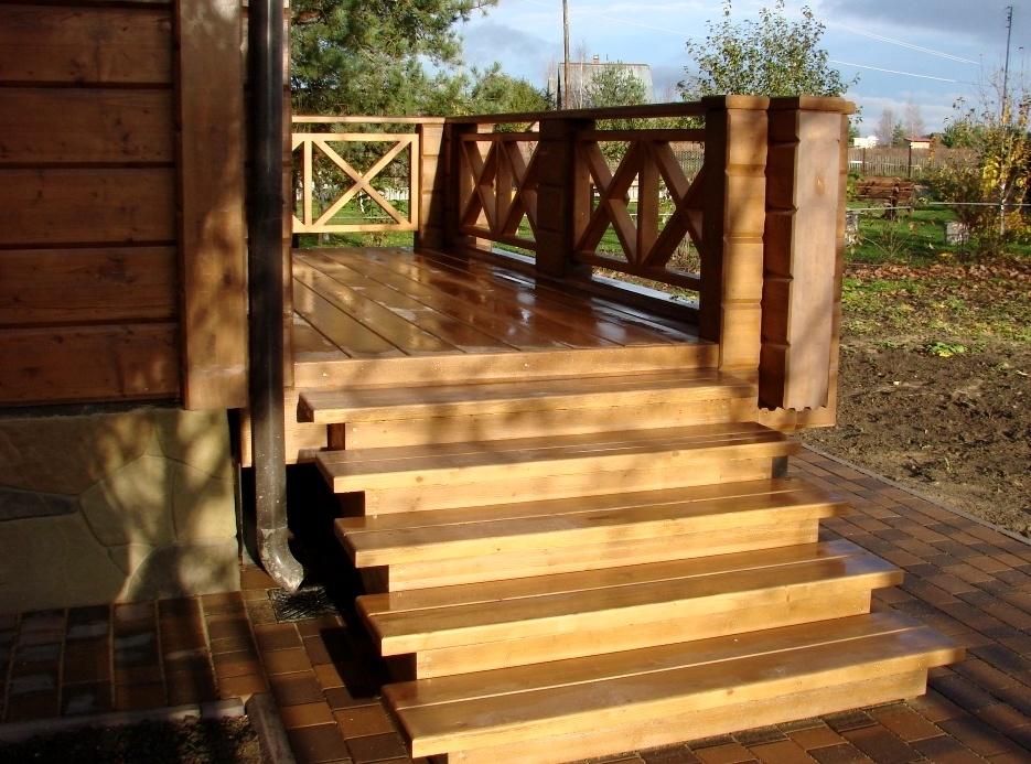 деревянные коттеджи крыльцо