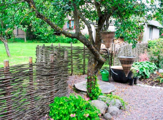забор плетеный для дачи