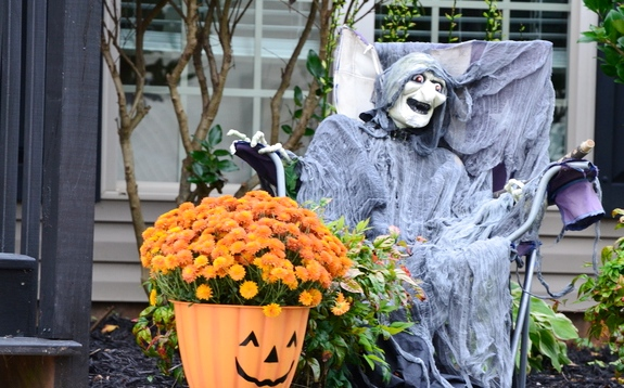 двор на хэллоуин 2