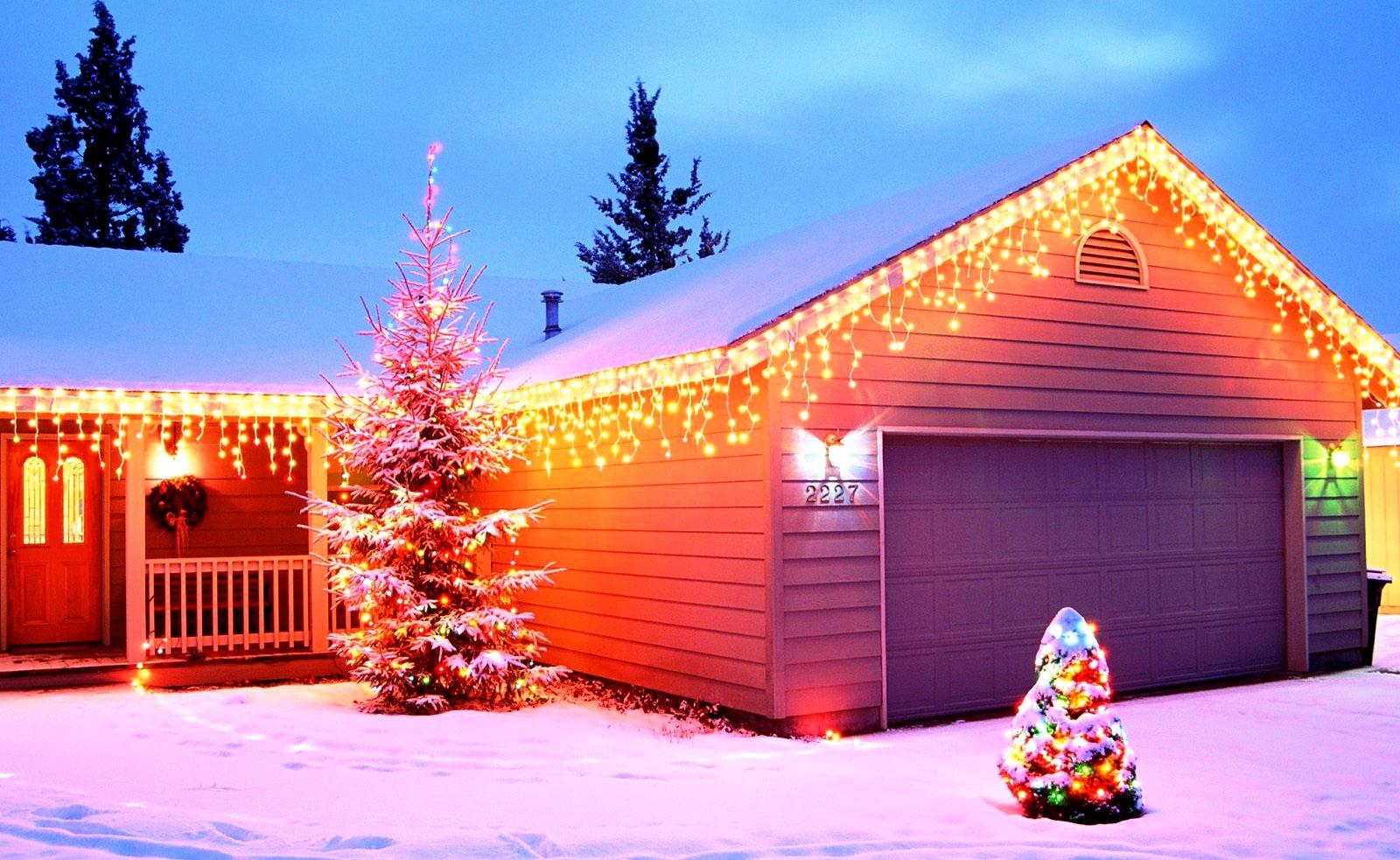 новогоднее украшение фасада