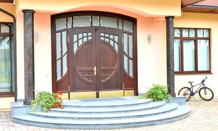 Входные двери в дом 2